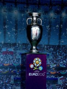 Uefa_european_championship_trophy
